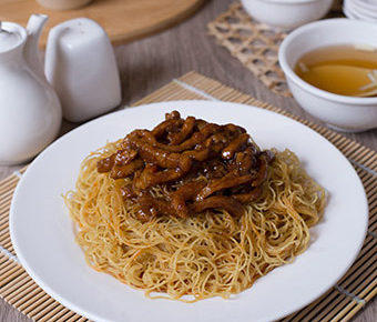 sweet-sour-pork-dry-noodles